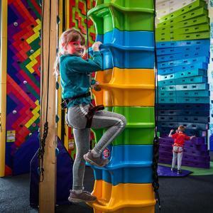 Abeo-Entre-Prises-Clip-'n-Climb-Fun-Climbing-Ascendor-Girl
